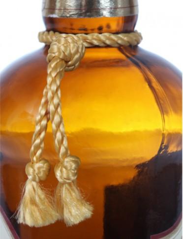 Q1712 Gold Bottle Neck Tassle 750ml
